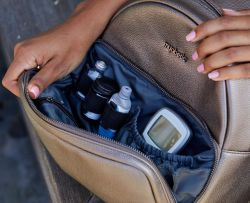 Backpack for diabetics to travel. Myabetic